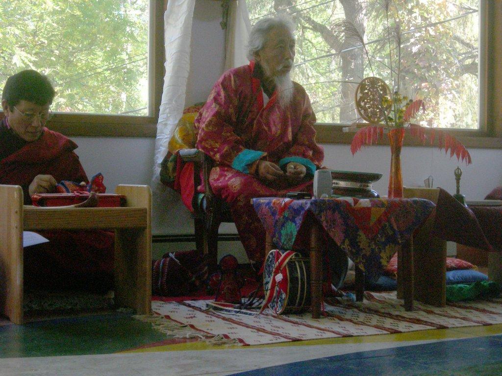 Bhakha-Tulku-Pema-Tenzing-leadingpractice