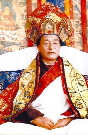dudjom-rinpoche-thronewithhat